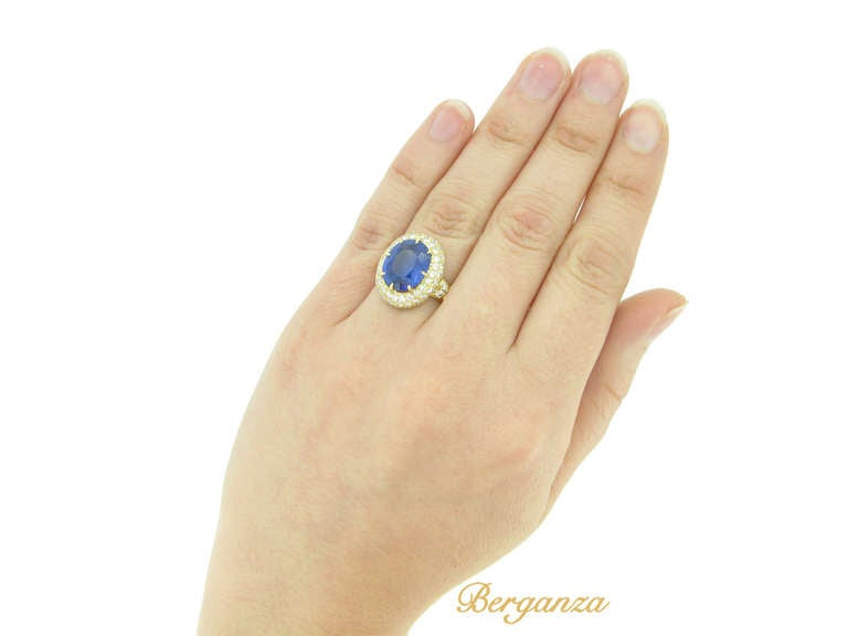 Van Cleef & Arpels Natural Burmese Sapphire and Diamond Ring For Sale 1