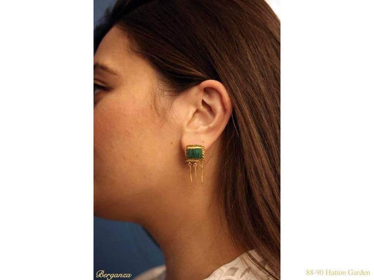 3rd-2nd Century BC Ancient Thracian Emerald Gold earrings  5