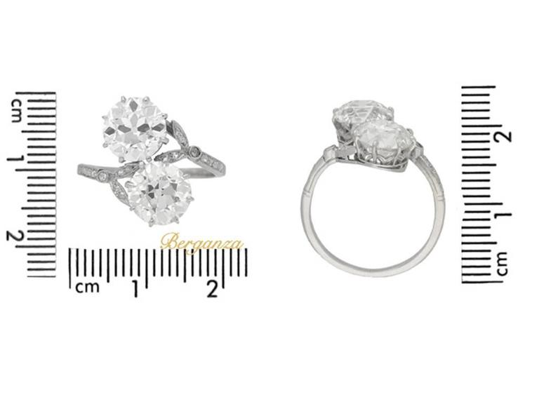 Women's or Men's Antique Diamond Two Stone Cross over Engagement Ring, circa 1915 For Sale