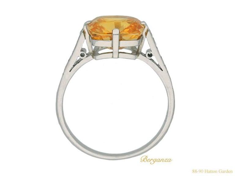 Rare 4.03 Carat Orange Sapphire Diamond Ring In Excellent Condition For Sale In London, GB