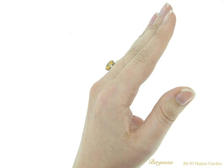 Rare 4.03 Carat Orange Sapphire Diamond Ring For Sale 2