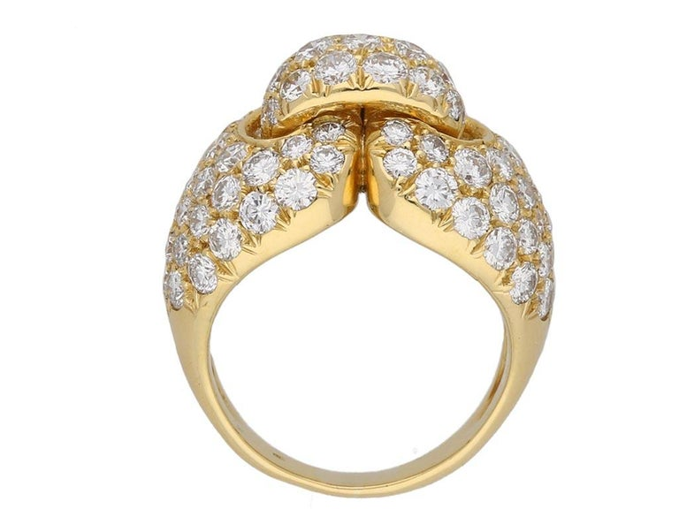 Boucheron Diamond and Yellow Gold Dress Ring In Good Condition For Sale In London, GB