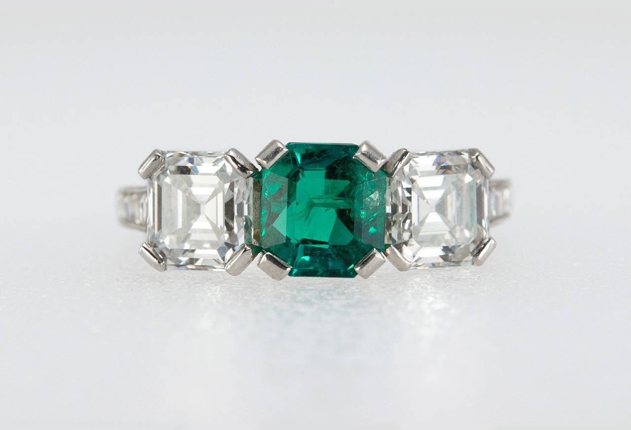Tiffany & Co. Three-Stone Emerald Diamond Platinum Ring circa 1920s 3