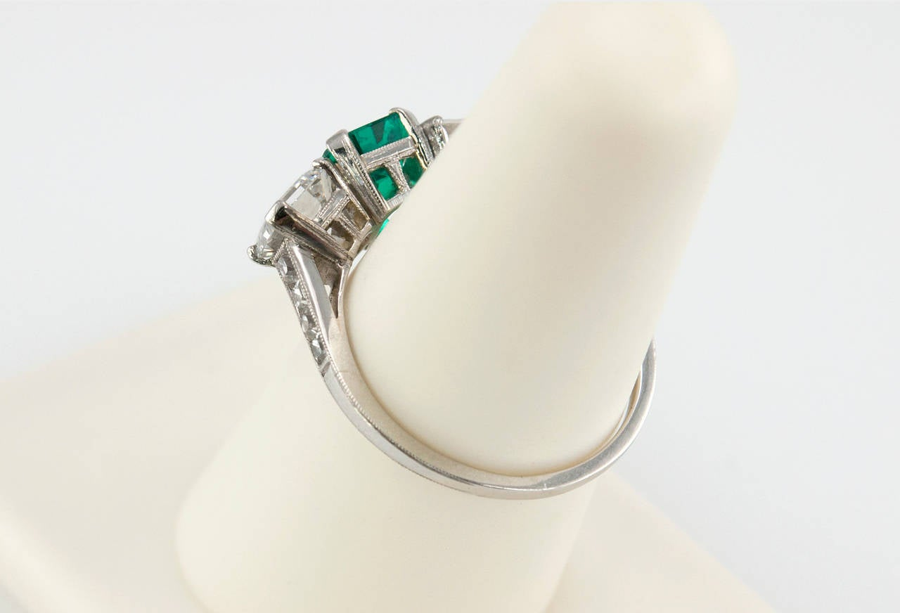 Tiffany & Co. Three-Stone Emerald Diamond Platinum Ring circa 1920s 5
