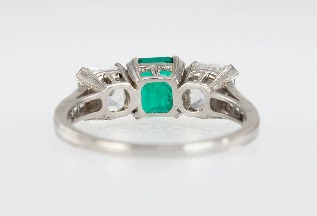 Tiffany & Co. Three-Stone Emerald Diamond Platinum Ring circa 1920s 7