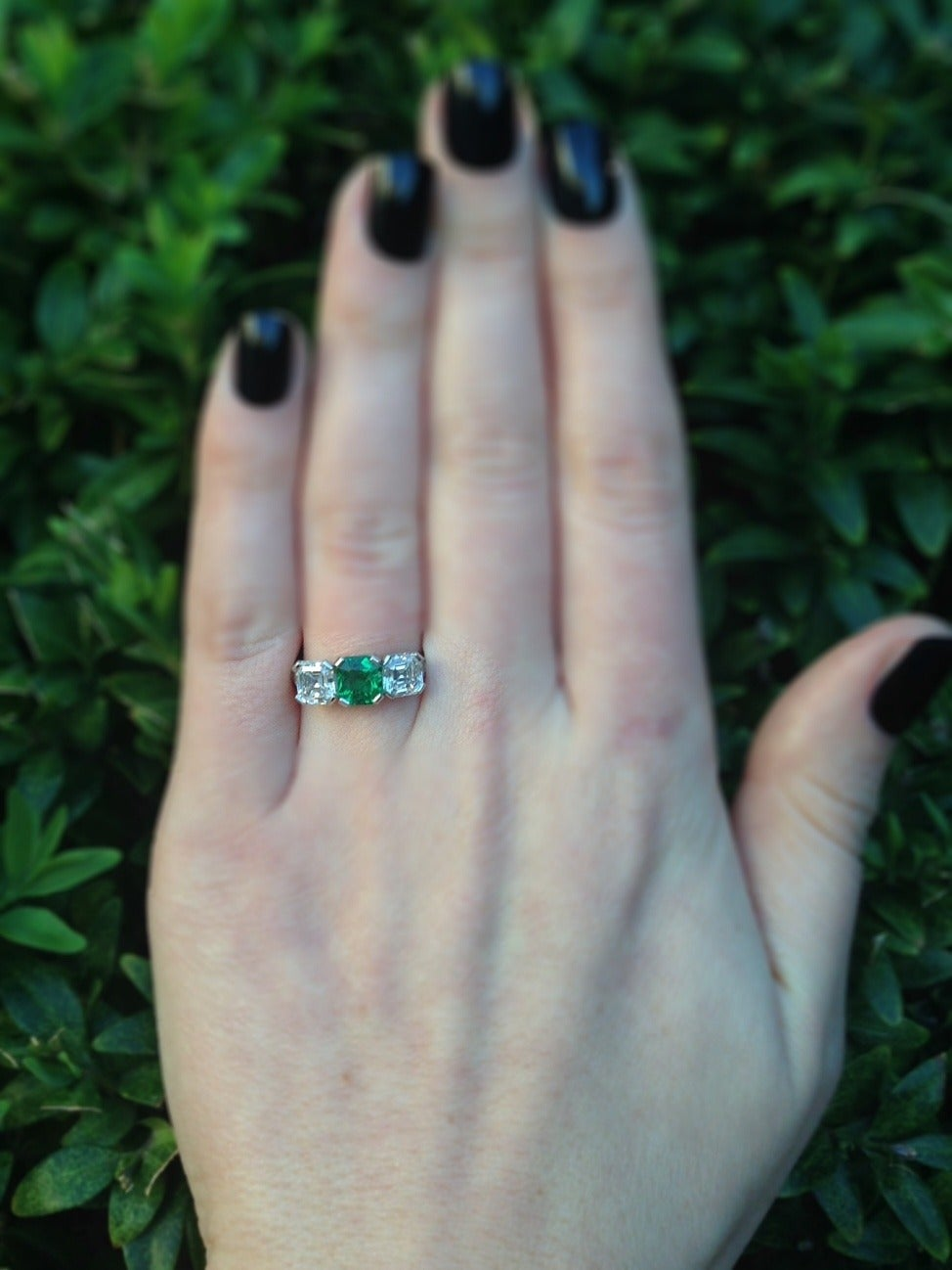 Tiffany & Co. Three-Stone Emerald Diamond Platinum Ring circa 1920s 9