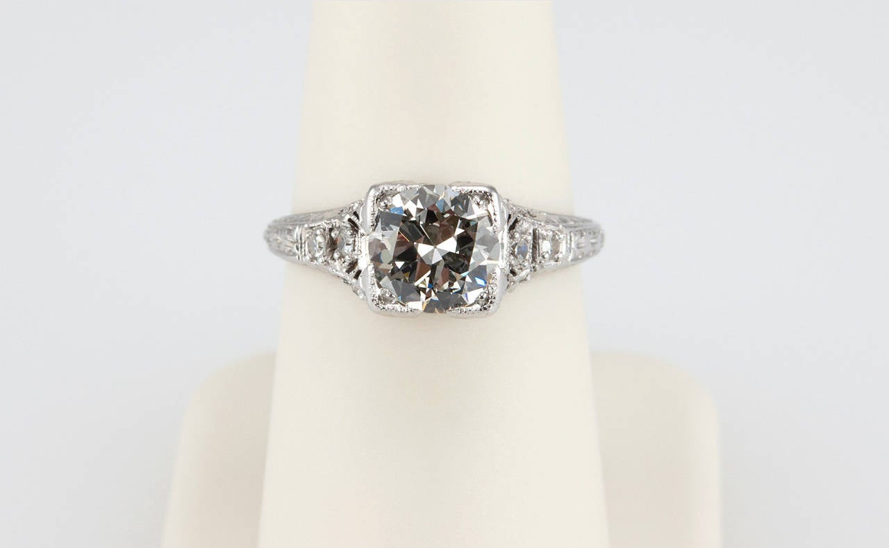 Women's 1.52 Carat Edwardian Diamond Platinum Engagement Ring circa 1915 For Sale