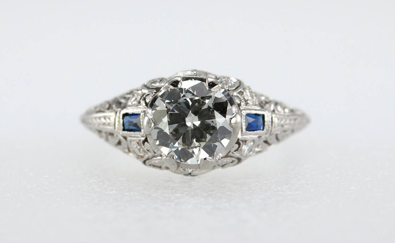 Art Deco 1.04 Carat Diamond Sapphire Platinum Ring In Excellent Condition For Sale In Los Angeles, CA