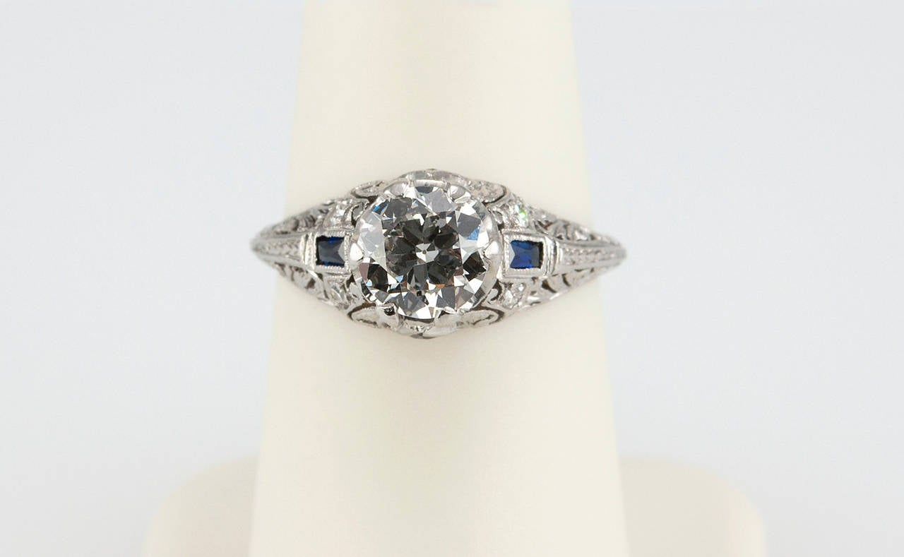 Art Deco 1.04 Carat Diamond Sapphire Platinum Ring For Sale 1