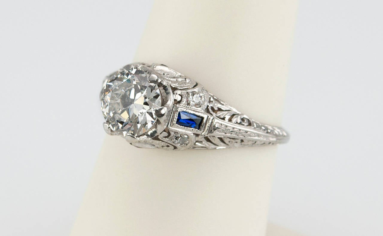 Art Deco 1.04 Carat Diamond Sapphire Platinum Ring For Sale 2