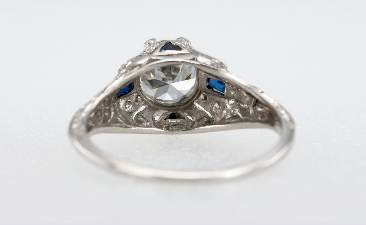 Art Deco 1.04 Carat Diamond Sapphire Platinum Ring For Sale 4