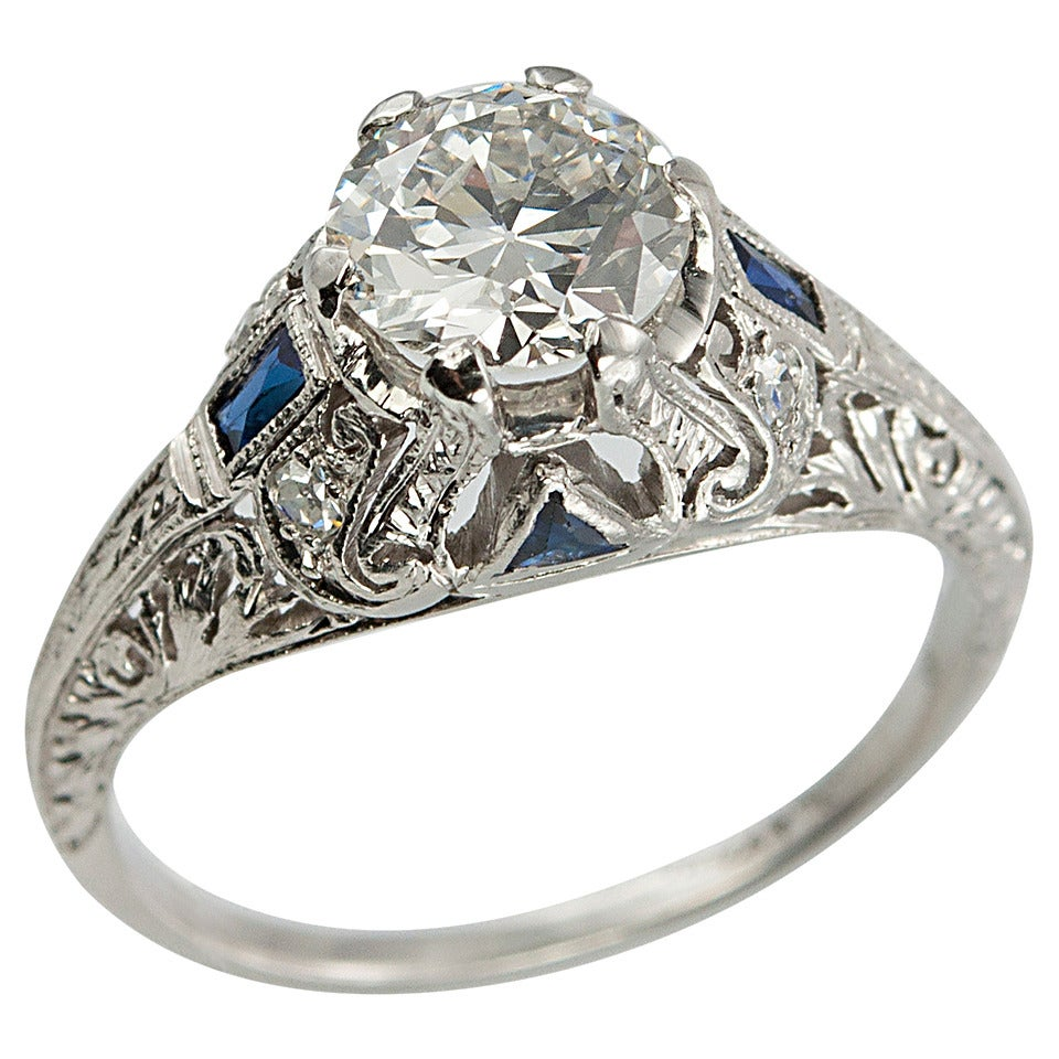Art Deco 1.04 Carat Diamond Sapphire Platinum Ring For Sale