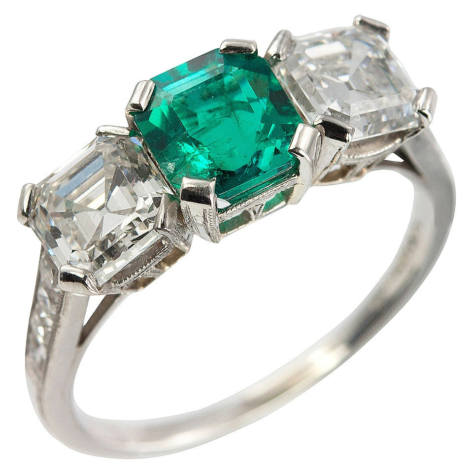 Tiffany & Co. Three-Stone Emerald Diamond Platinum Ring circa 1920s 1