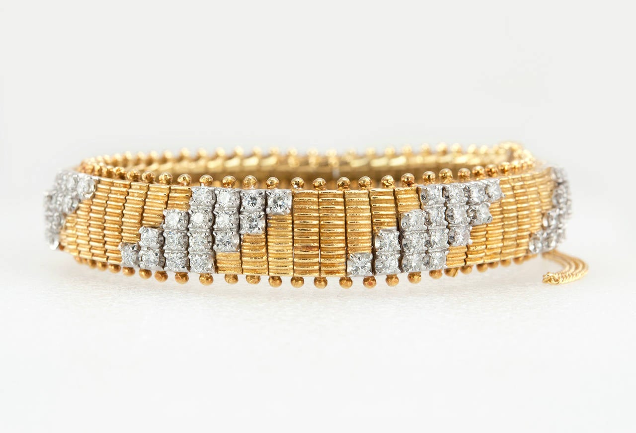 1960s Flexible Diamond Gold Link Bracelet In Excellent Condition For Sale In Los Angeles, CA