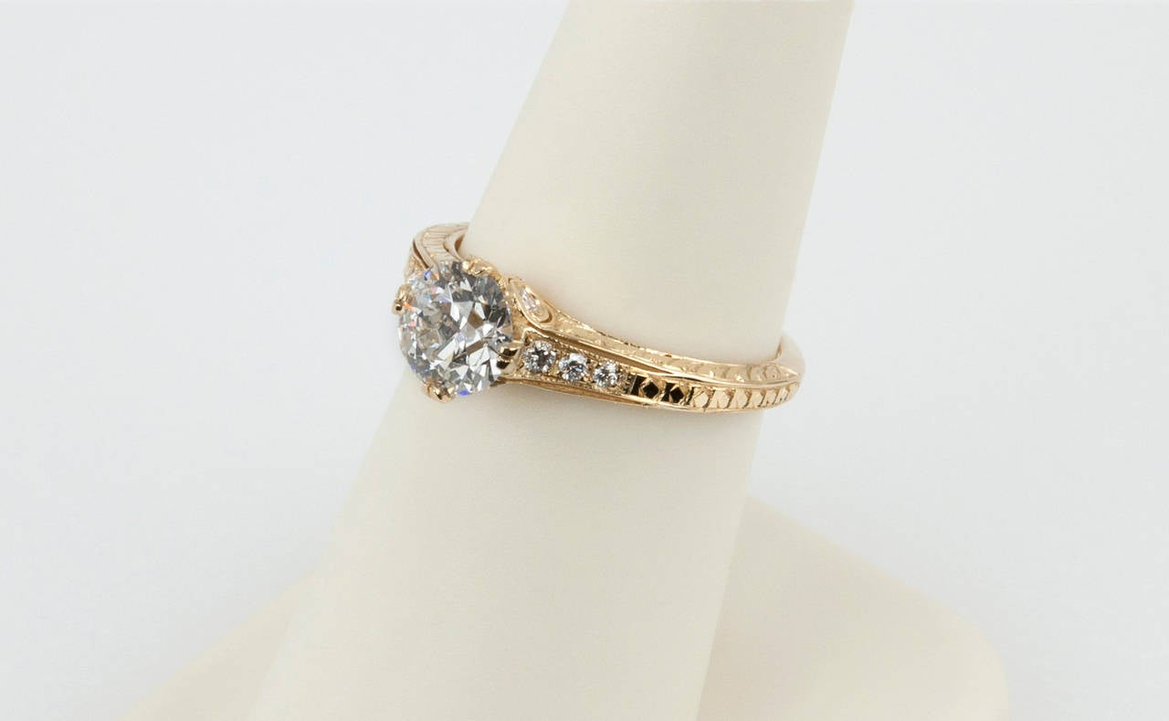 1.05 Carat Diamond Gold Engagement Ring 7