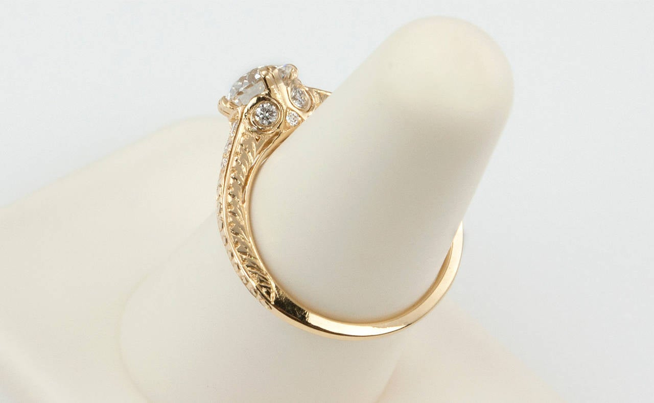 1.05 Carat Diamond Gold Engagement Ring 8