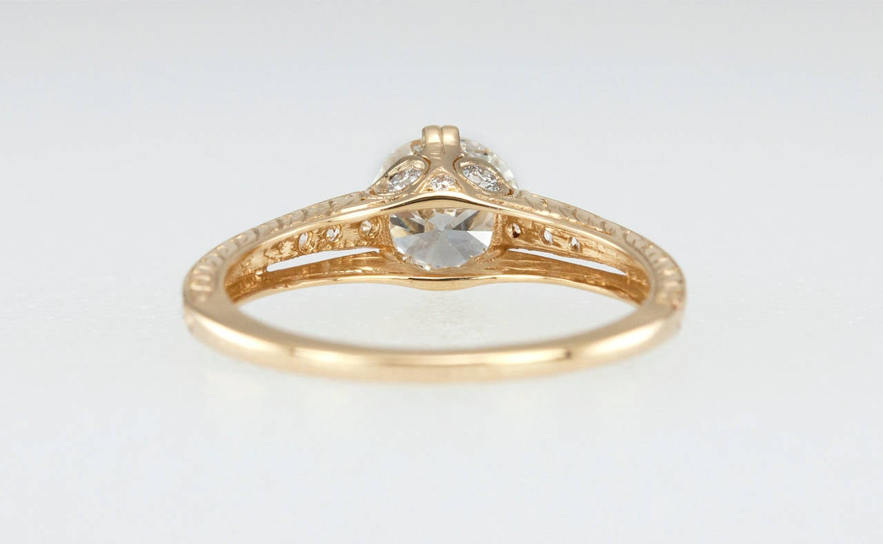 1.05 Carat Diamond Gold Engagement Ring 9