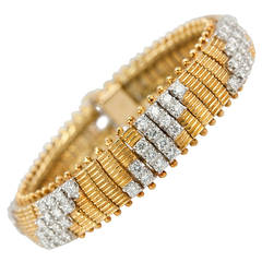 1960s Flexible Diamond Gold Link Bracelet