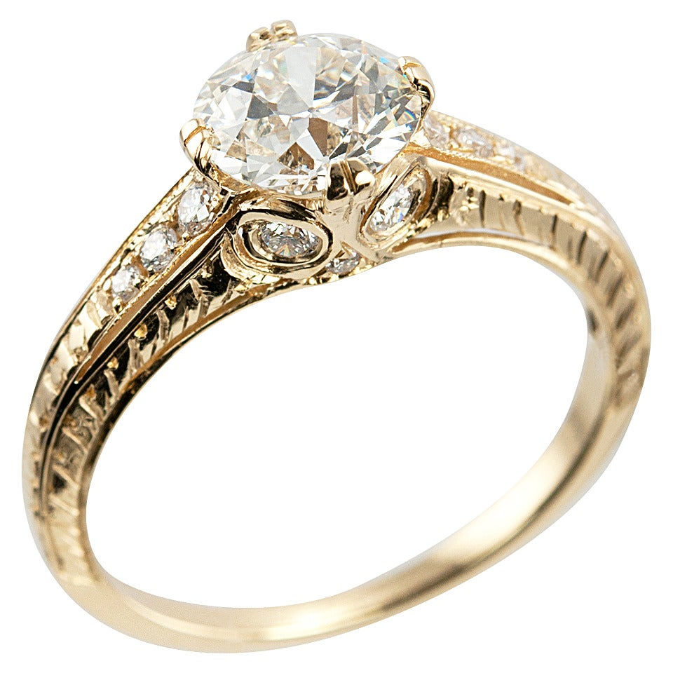 1.05 Carat Diamond Gold Engagement Ring 1