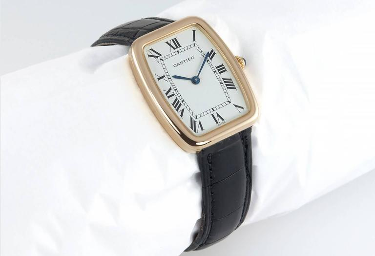 Cartier Yellow Gold Square Incurvee Wristwatch In Excellent Condition For Sale In Los Angeles, CA
