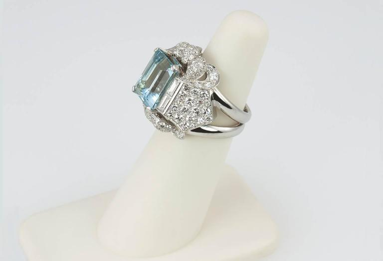 1960s Aquamarine Diamond Platinum Ring For Sale 2