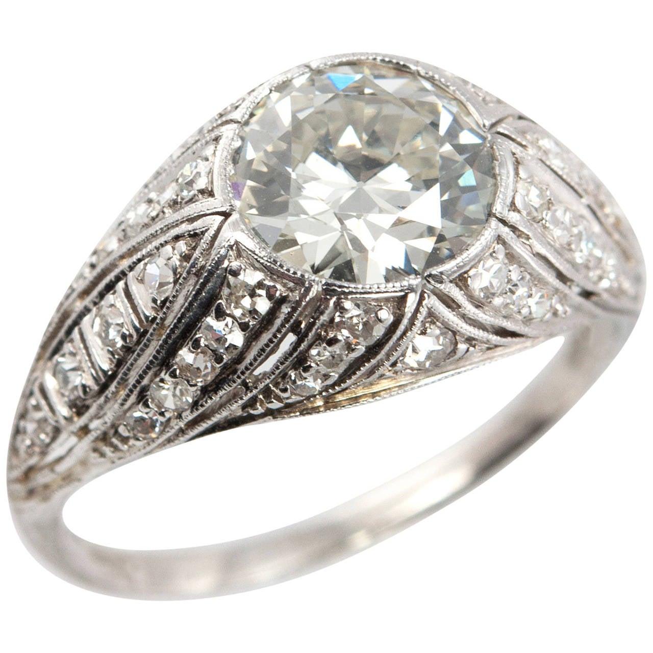 Art Deco 1.29 Carat Diamond Platinum Engagement Ring