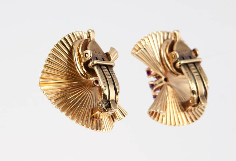 Women's Tiffany & Co. Ruby Gold Fluted Clip Earrings For Sale