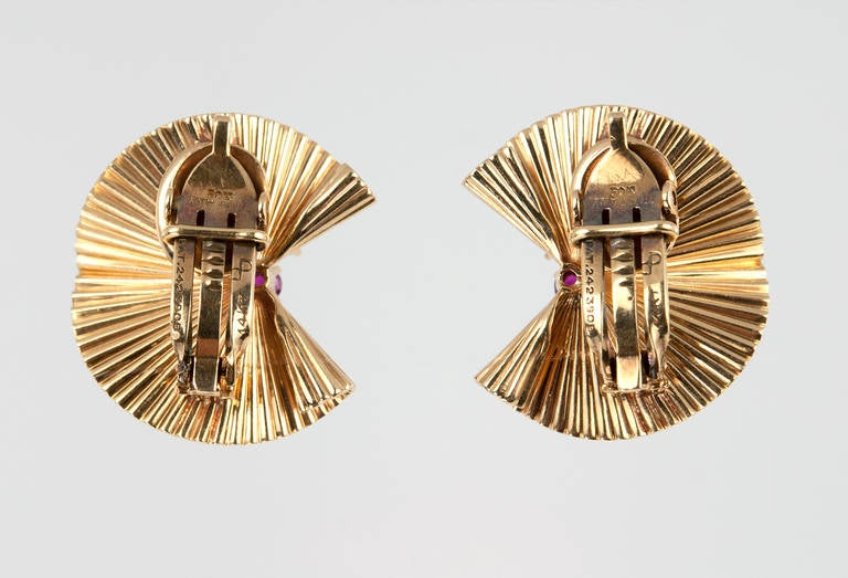 Tiffany & Co. Ruby Gold Fluted Clip Earrings For Sale 1