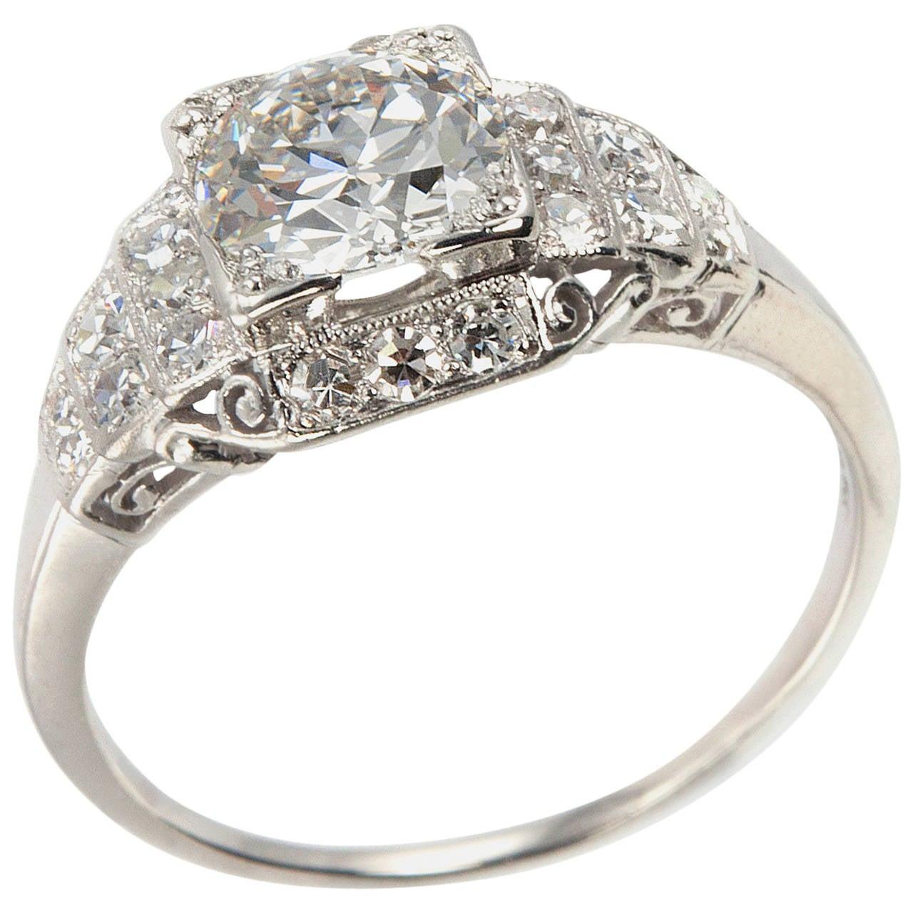 Art Deco 1.04 Carat Old European Cut Diamond platinum Engagement Ring