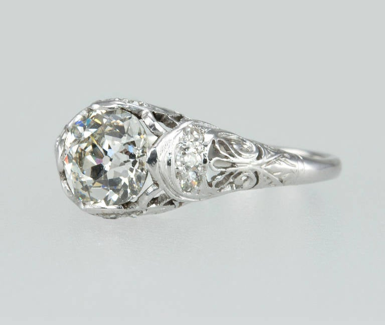 Edwardian 1.31 Carat Diamond Engagement Ring In Excellent Condition For Sale In Los Angeles, CA