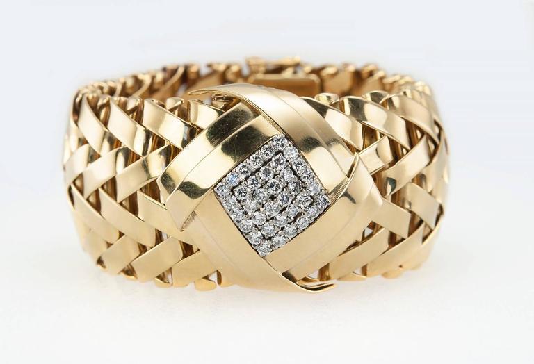 Women's Vacheron & Constantin lady's yellow Gold Diamond Bracelet wristwatch For Sale
