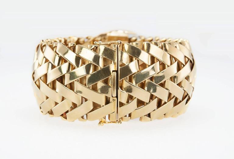 Vacheron & Constantin lady's yellow Gold Diamond Bracelet wristwatch For Sale 2