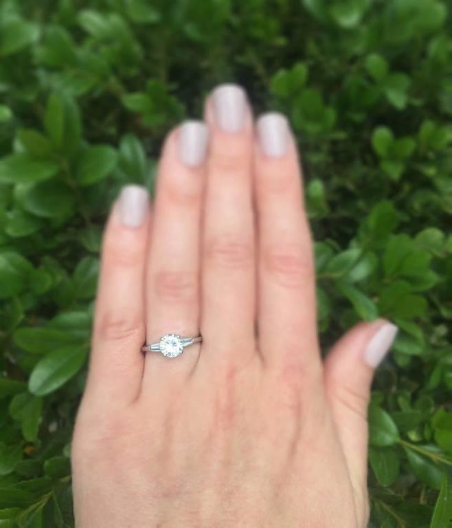 Cartier 1 Carat Round Brilliant Diamond Platinum Engagement Ring For Sale 1