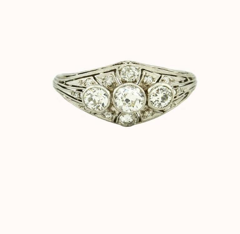 Art Deco Three-Stone Diamond Platinum Ring 2
