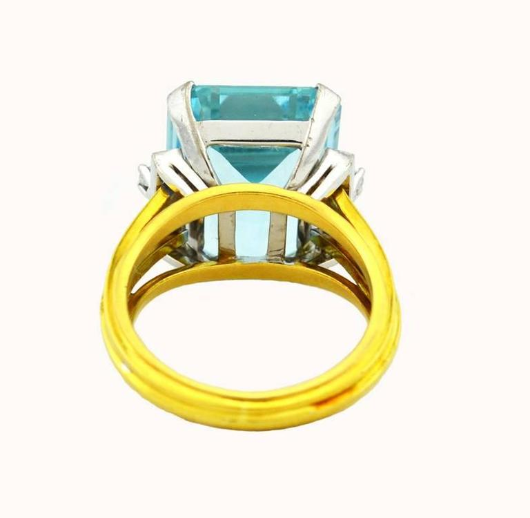 1960s Aquamarine Diamond Gold Cocktail Ring For Sale 1