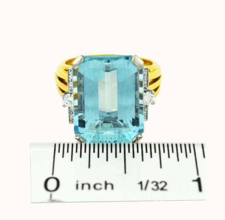 1960s Aquamarine Diamond Gold Cocktail Ring For Sale 2