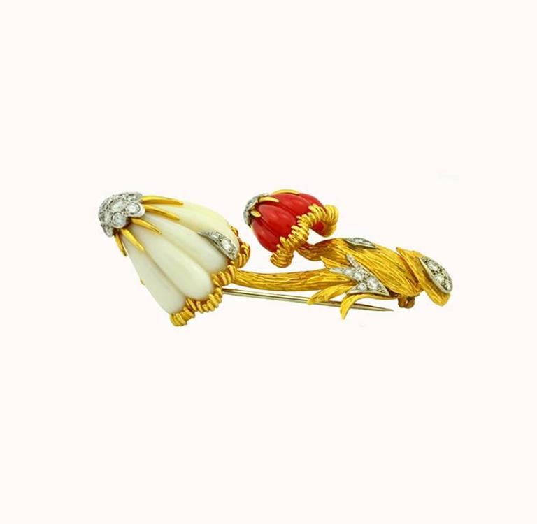 Van Cleef & Arpels Coral Diamond Gold Mushroom Brooch  In Excellent Condition For Sale In Los Angeles, CA
