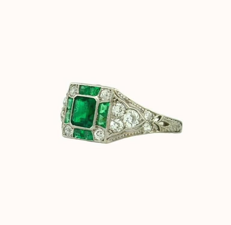 Women's Art Deco Emerald Diamond Platinum Ring For Sale