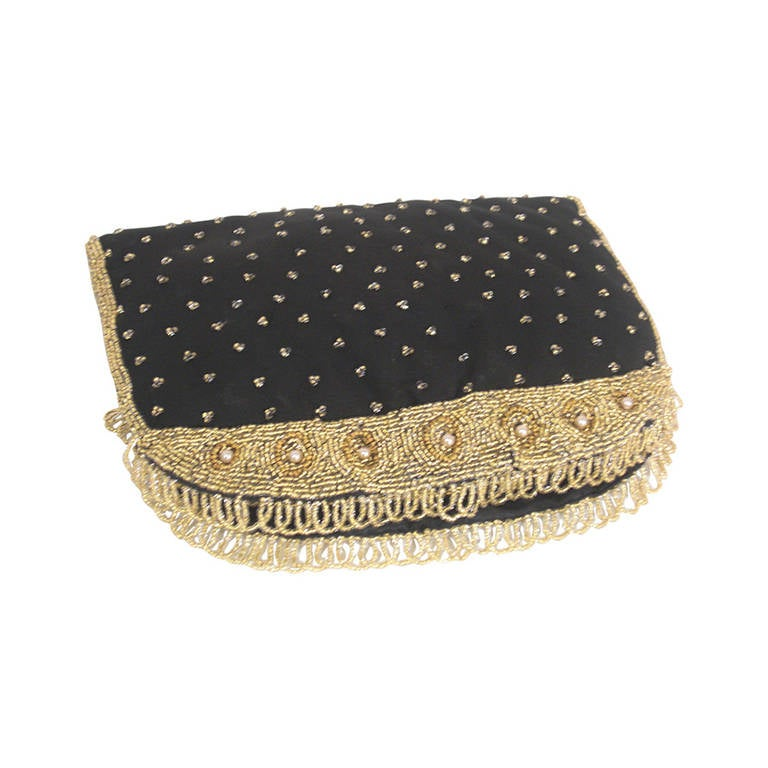 1stdibs 1950s Koret Sapphire Blue And Gold Beaded Barrel Clutch