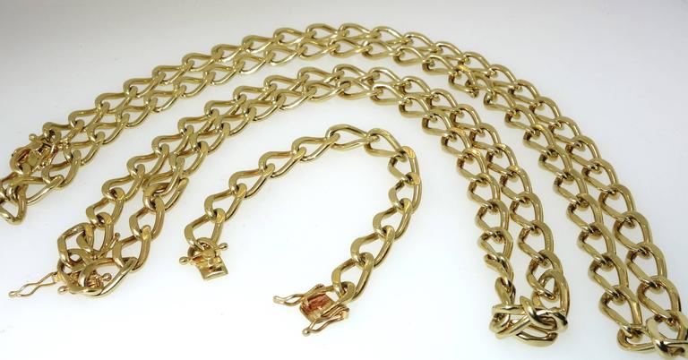 Women's or Men's Long Gold Chain Necklace and Bracelet For Sale