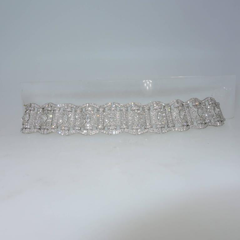 Art Deco Diamond Platinum Bracelet, circa 1935 For Sale 2