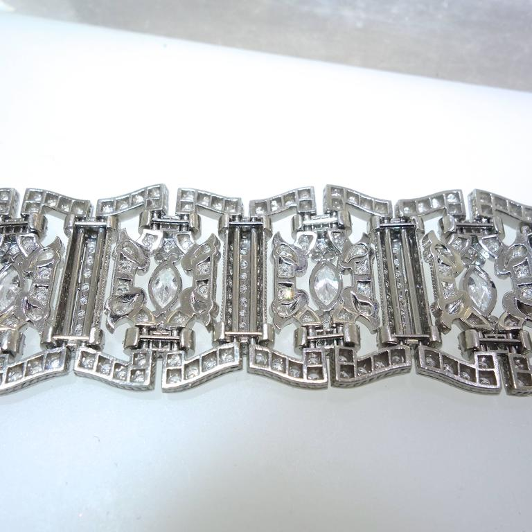 Art Deco Diamond Platinum Bracelet, circa 1935 For Sale 3