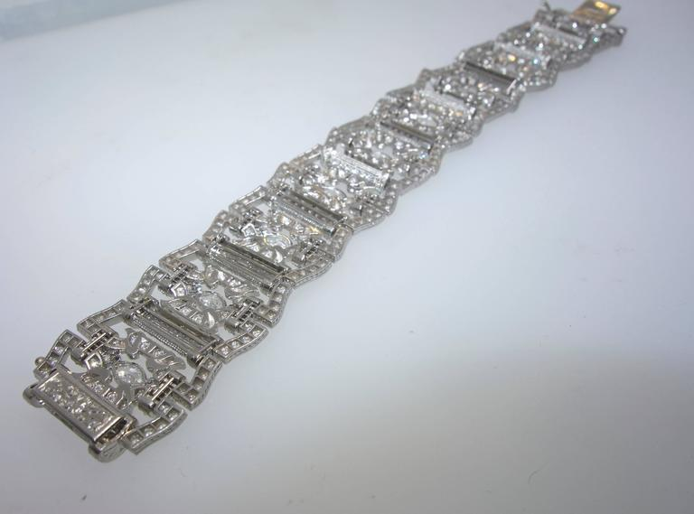 Art Deco Diamond Platinum Bracelet, circa 1935 For Sale 4