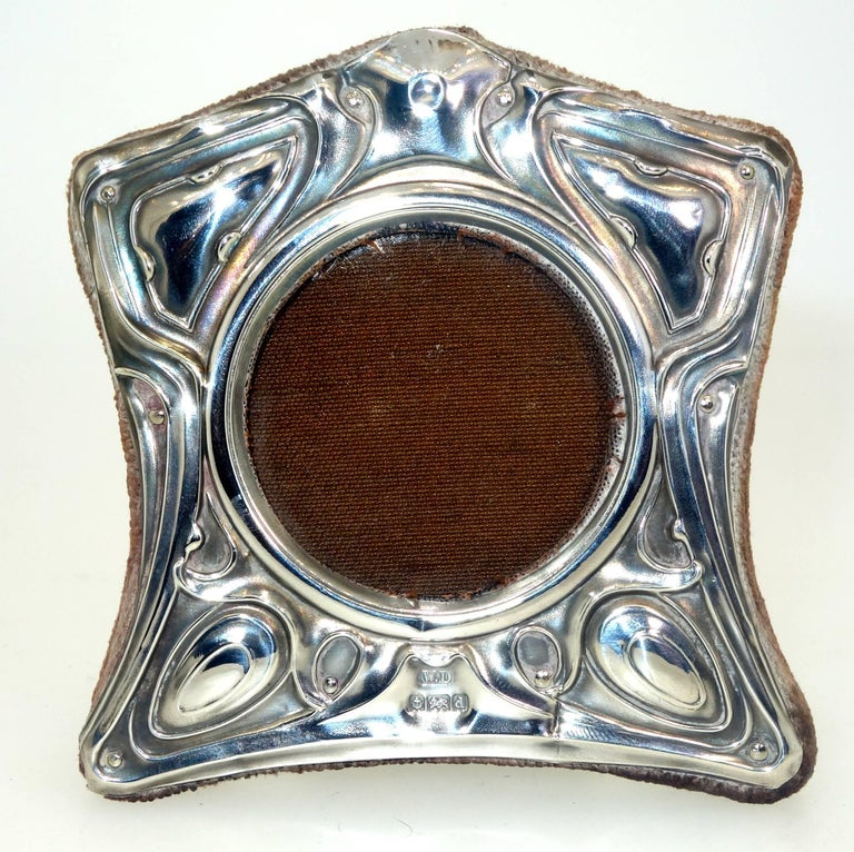 English Art Nouveau Sterling Silver Frame, circa 1905 In Good Condition For Sale In Aspen, CO