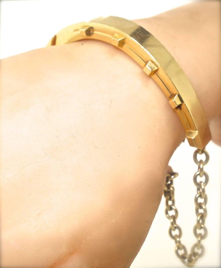 Antique Gold Horse-Shoe Motif Bracelet. For Sale 1