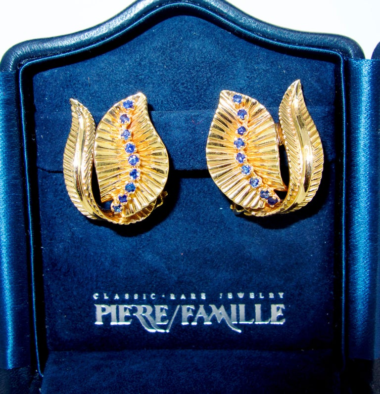 Retro Gold and Sapphire Earrings, circa 1950 In Excellent Condition For Sale In Aspen, CO