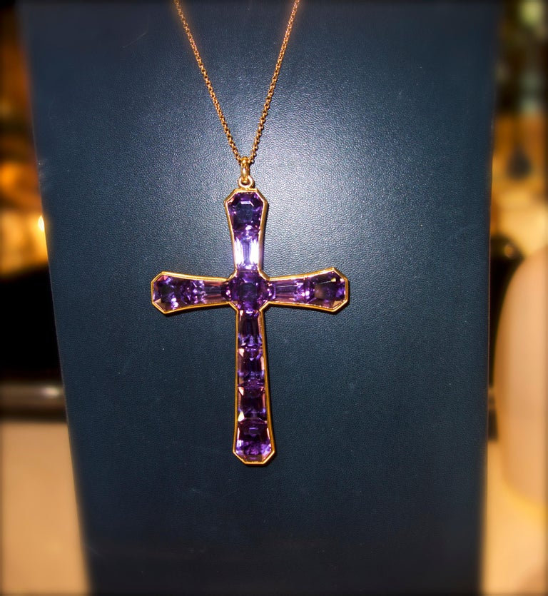 Large Antique Cross of Fine Fancy Cut Amethysts, circa 1890 In Excellent Condition For Sale In Aspen, CO