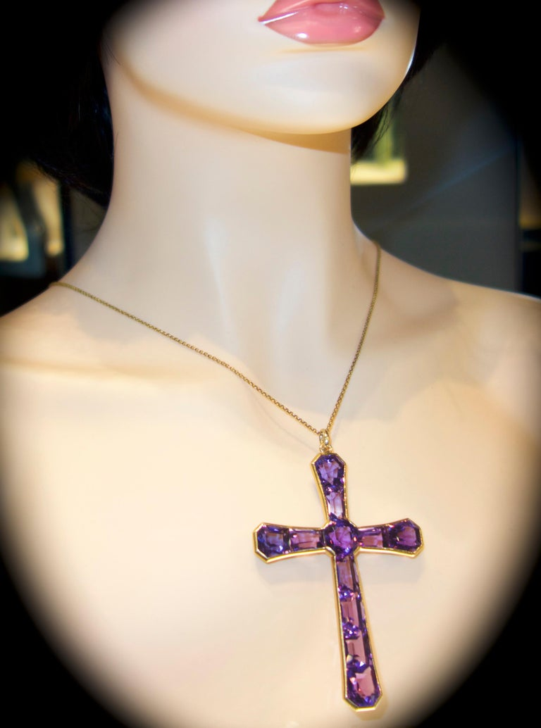 Large Antique Cross of Fine Fancy Cut Amethysts, circa 1890 For Sale 1