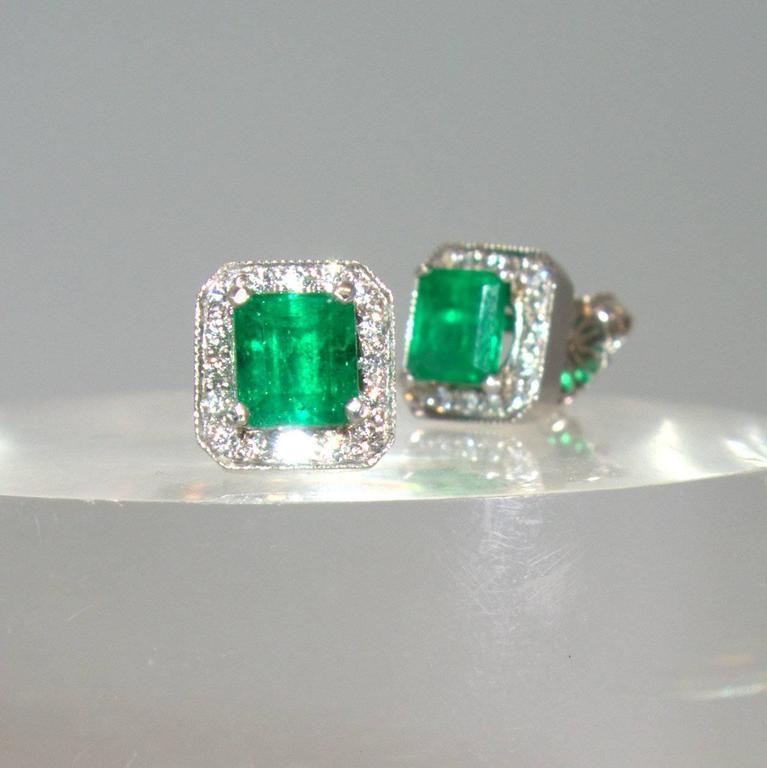 Emerald Diamond Platinum Stud Earrings For Sale at 1stdibs