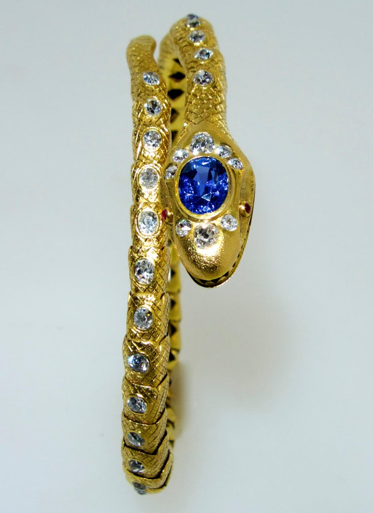 Early Victorian Victorian Diamond and Sapphire Serpent 18 Karat Gold Bracelet, circa 1860 For Sale
